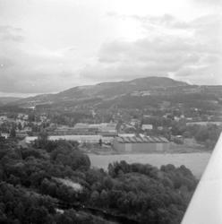 Flyfoto. Brumunddal. Bygget til Globus i forgrunnen