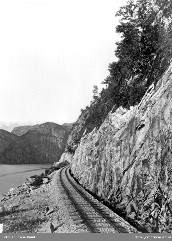 Parti fra Vossebanen; linjen ved Bergsenden
