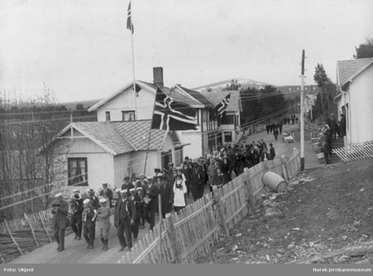 17. mai-tog på Dombås i 1913