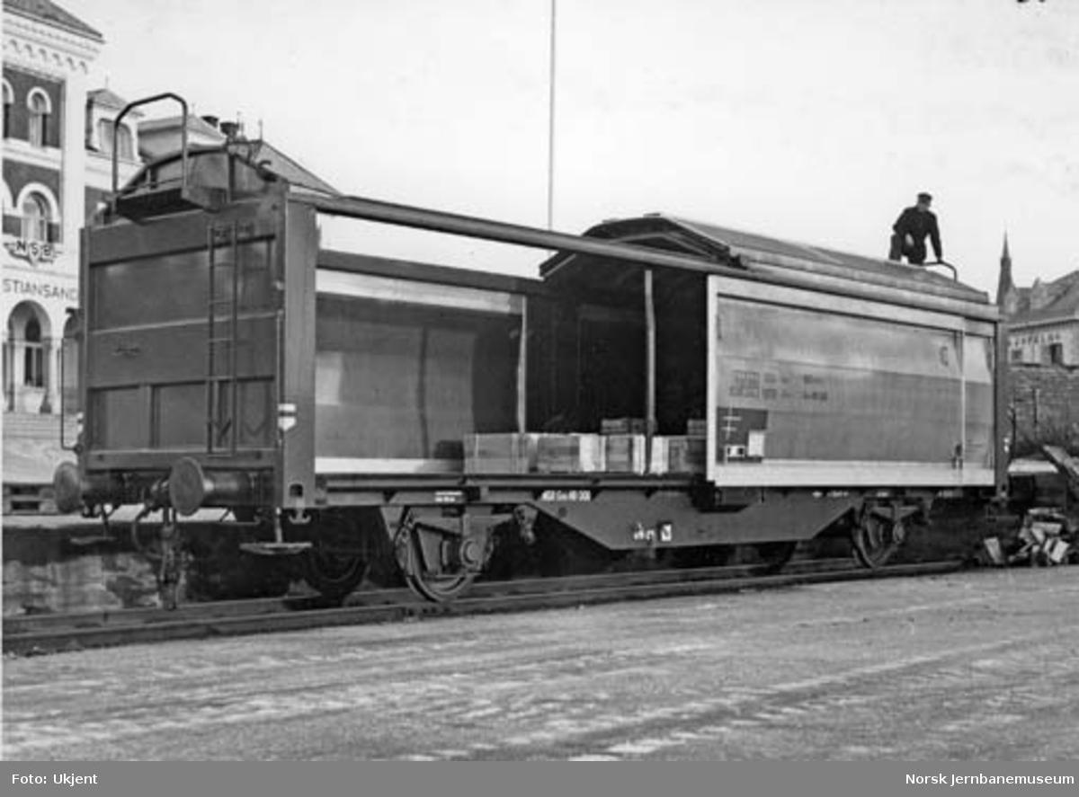 Godsvogn med skyvetak og skyvevegger, litra Gtl5 nr. 49000