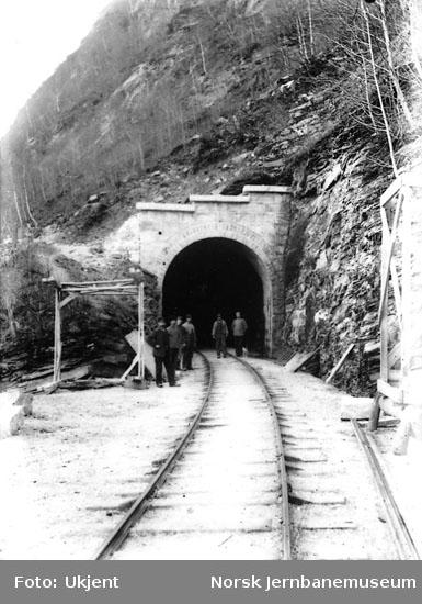 Utmuring av Kattegjelet tunnel ved Vossebanens ombygging til bredt spor