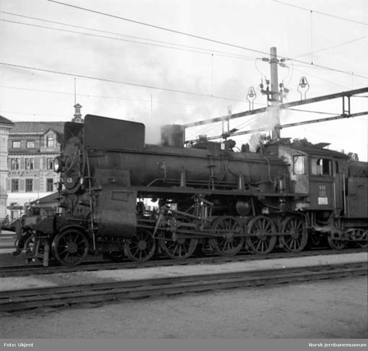 Damplokomotiv type 26c nr. 438