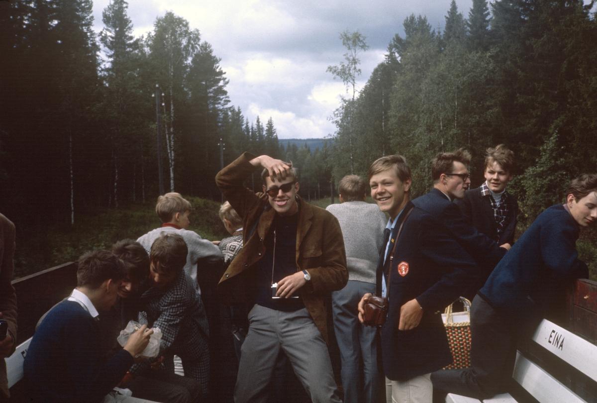 Underveis i A/L Hølandsbanens veterantog til Skreia