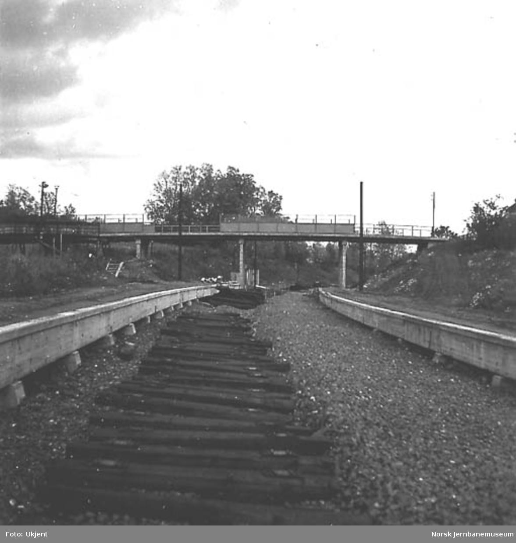Drammenbanens dobbeltspor Asker-Sandvika, bruovergang pel 1438