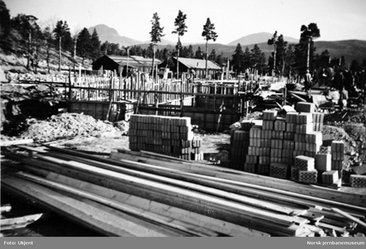 Bygging av turisthotellet på Lønsdal