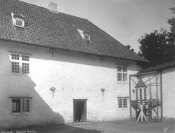 Borggården på Baroniet Rosenal i Kvinnherad i Hordaland.
